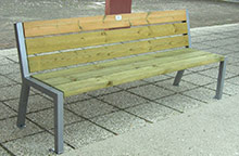 Banc-public-pin-traité-autoclave-classe-4---Photo-CHARRIER