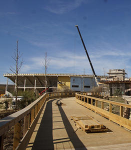 BEAUVAL-3-construction-passerelle-en-pin-classe-4